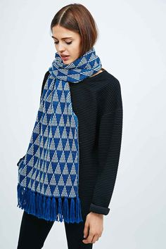Reverse Triangle Knit Scarf in Teal and Cream