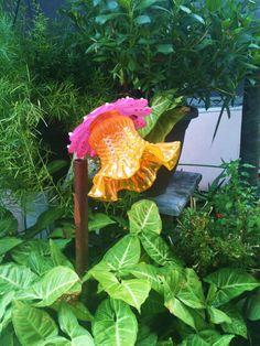 Garden Decor Glass Plate Flower For Your Winter by pollysyardart. $25.00 USD, via Etsy.