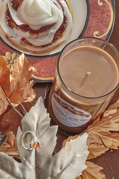 Want to enjoy delicious cinnamon buns without consuming the calories? We have a sweet solution! Indulge in our Freshly Baked jewel candle and enjoy the delicious scent of freshly baked cinnamon buns right out of the oven. Sugar and cinnamon blend perfectly with the rich scent of hazelnut, topped with creamy vanilla icing. Each candle contains a beautiful surprise ring and a code for a chance to win an additional ring valued up to $10,000!