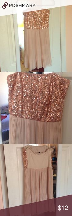 Rose gold sequin and chiffon strapless dress Rose gold sequin top and beige pleated chiffon bottom. From WINDSOR! Strapless with cotton back WINDSOR Dresses Strapless