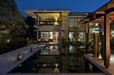 Courtyard House - Hiren Patel Architects.