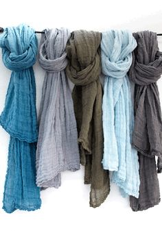 linen scarf from www.bodieandfou.com