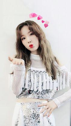 Taeyeon love and kisses Snsd, Sooyoung, Yoona, Kim Hyoyeon, Girls Generation, Girls' Generation Taeyeon, Kpop Girl Groups, Korean Girl Groups, Kpop Girls
