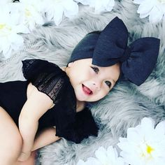 Children's photo shoot Baby Girl Pictures, Baby Photos, Cute Babies Photography, Cute Baby Wallpaper, Cute Baby Girl, Cute Baby Clothes, Baby Girl Fashion, Baby Fever, Future Baby