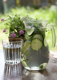 The Hippy Homemaker: DIY Cucumber Spa Water