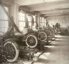 Early Harley-Davidson Training Shop