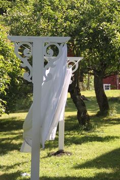 Beautiful alternative to those ugly metal laundry line poles....bad link but good idea (update: people pin this 3x a day sometimes! It's nuts!! I mean I know it's neat but WOW!)