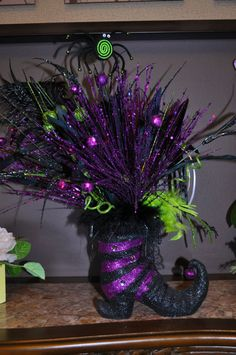 Halloween décor-amazing! Not sure I can make this myself but may have to try.