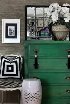 Oh, how I love this emerald green with the black and white. Also, note the texture on the walls.