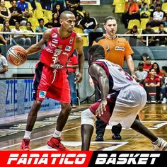 by @dorwisfoto  @yochuarpalacios30 (Yochuar Palacios)  #LPB #Cocodrilos #CocodrilosDeCaracas #SomosCaracas #SomosCocodrilos #basketball #basket #sports #sport  #instagood #photooftheday #sportsphotographer #periodismodeportivo #reporterografico #ball #baller #balling #court #backboard #game #active #pass #throw #shoot #instaballer #instaball #jump #FanaticoBasket