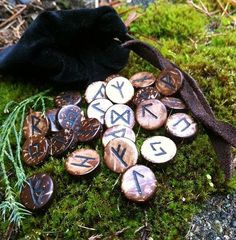 Wooden Bead Runes - Assembly 3 The runes of the Elder Futhark are engraved on 24 small (> brown/black wooden beads, and retraced with oil paint. Ancient Runes, Tarot, Elder Futhark Runes, Rune Stones, Asatru, Magic Spells, Wiccan Magic, Witchcraft Spells, Witch Aesthetic