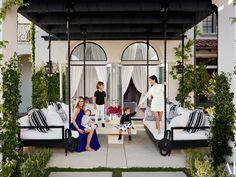 Kourtney and Khloe Kardashian multi million dollar house Pics see here and enjoy a lot. The Hollywood celebrities Kourtney Kardashian and Khloe Kardashian's h Jenner House, Casa Jenner, Outdoor Lounge, Outdoor Living, Outdoor Decor, Outdoor Seating, Outdoor Swings, Outdoor Sofas, Backyard Seating