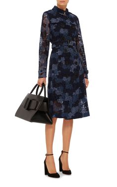 Sandringham Tie Dye Lace Trench by Burberry British Style, British Fashion, Comfortable Flats, Cold Weather Outfits, Event Dresses, Lace Flowers, Beautiful Gowns, Leather And Lace, Burberry