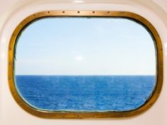 A new poll of Cruise Critic members reveals cruise favorites by ship size. Cruise Ship Size, Best Cruise Ships, Cruise Critic, Vagas, Mirror, Cruises, Entertainment, Kitchen, Tourism