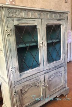 Vintage cabinet bookcase , Annie sloan Hand painted