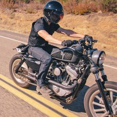 Biltwell Gringo Helmet |  A new vintage-styled fully DOT approved full-face helmet.