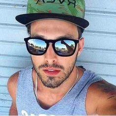 oculos de sol masculino espelhado veludo estiloso aveludado Oculos Escuros  Masculinos, Relógios Masculinos, Look e8b1659d79