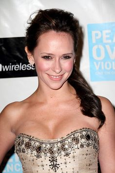 Jennifer (I don't) Love Hewitt - she always has this stupid look on her face. I can't stand her.