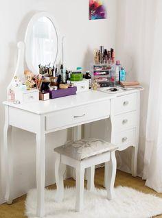 Môj kozmetický kútik a toaletný stolík