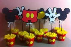Centro de mesa para fiesta temática de Mickey Mouse