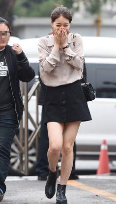 완전 민낯으로 '출근'하는 수지 사진 4장