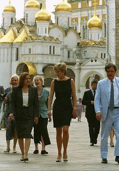 Princess Diana Pictures, Princess Diana Family, Princes Diana, Princess Of Wales, Lady Diana, Family Photos, Couple Photos, Royal Engagement, Random Pictures