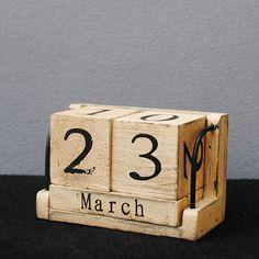 Wood Calendar Desk Zakka Vintage Antique Imitation Manually Small Calendar Daily Log madera Wooden Crafts(China (Mainland))