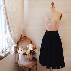 Jupe Monnae Black et Top Shima disponibles en plusieurs couleurs ! #boutique1861