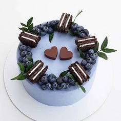 Oreo is synonymous with global chocolate-flavored biscuits. The recent Oreo + cake combination is very popular! Not only enrich the shape of the cake, but Cupcakes, Cake Cookies, Cupcake Cakes, Chocolate Flavors, Chocolate Recipes, Cake Chocolate, Disney Desserts, Cookie Cake Birthday, Oreo Cake
