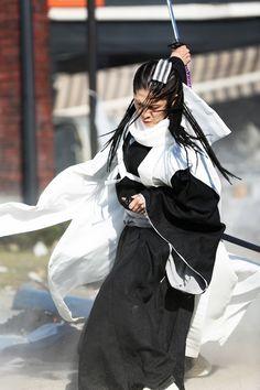Kuchiki Byakuya played by Miyavi Cosplay Boy, Cosplay Makeup, Cosplay Wigs, Cosplay Bleach, Bleach Movie, Ichigo And Rukia, Ryo Yoshizawa, Dir En Grey, Bleach Anime