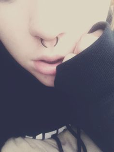 pincher septum piercing; if I was ever to get my nose pierced this is what I will get