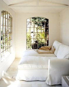 oh, that couch and the windows!