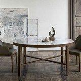 I nuovi tavoli Globe e Liuto: pulizia formale, materiali preziosi