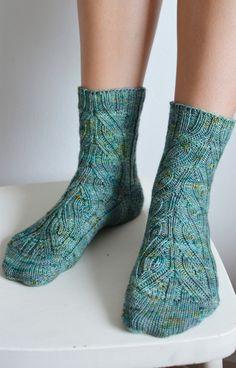Woollen Wilderness   FO: Vinnland socks   http://woollenwilderness.com