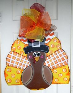 A fun fall sign to brighten your holidays! This adorable turkey is 23 inches tall by 23 inches wide.. The sign is hand cut from 1/4 plywood.. I have