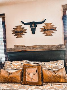 Western Bedroom Decor, Western Rooms, Western Decor, Home Decor Rustic Country, Country Farmhouse, Rustic Room, Room Ideas Bedroom, Dream Bedroom, Bedroom Inspo