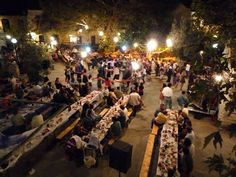 This was the Greek wedding outdoor setting I dreamt of... Relaxed dining, mingling and dancing!