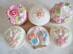 owl and flower cupcakes