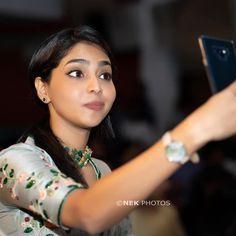 Caught in the act 😂 Saree Blouse Patterns, Saree Blouse Designs, Indian Actress Gallery, Beautiful Indian Actress, Saree Wedding, India Beauty, Girl Photography, Indian Actresses, Photoshoot