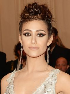 I really wanna do my prom makeup like this! Emmy Rossum at the MET Gala #makeup #eyeshadow #eyeliner #beauty #fashion #brown #smoky