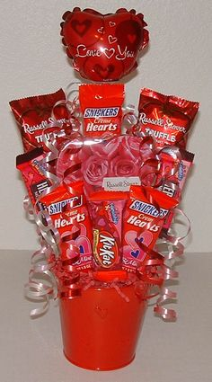 Valentines Day DIY Candy Bouquet!  Check out these inexpensive but romantic birthday gift ideas for boyfriend here: http://birthdaygiftideasforboyfriend.org/inexpensive-but-romantic-birthday-gift-ideas-for-boyfriend/.