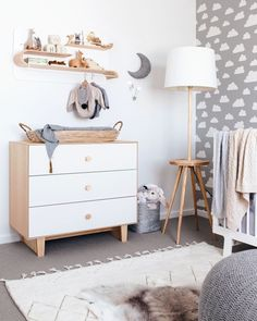 Simple Baby Room: 60 Amazing Ideas to Decorate - Decoration, Architecture, Construction, Furniture and decoration, Home Deco Baby Bedroom, Baby Room Decor, Nursery Room, Kids Bedroom, Nursery Lamps, Bright Nursery, Scandinavian Nursery, Nursery Inspiration, Kids Furniture