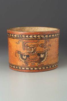 Chamá-style cylinder vase Maya  CE  700-800