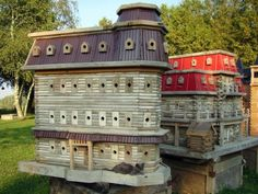 John Looser builds the most amazing birdhouses, inspired by Victorian architecture. His bird mansions are praised by bird lovers everywhere Birdhouse Designs, Unique Birdhouses, Birdhouse Ideas, Large Bird Houses, Bird Boxes, Victorian Architecture, Animal House, Dog Houses, Little Houses