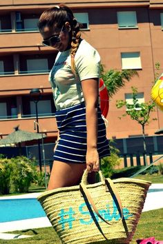 No te quedes sin tu capazo este verano!! Ideales para la piscina y la playa los tienes desde 19,95€  No te quedes sin el tuyo