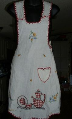 1940's Full Front Vintage Apron Lovely Embroidery Teapot Dishes & Flowers Needs 2 buttons Free US shipping