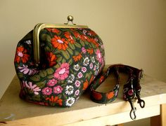 Daisy Chain Fabric Large Kiss Frame Bag / by NatalieBreezeDesign, £65.00