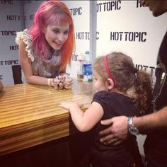 does this kid realize she's in front of hayley williams