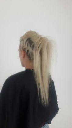 #funkyhair #upstyle #blondehair