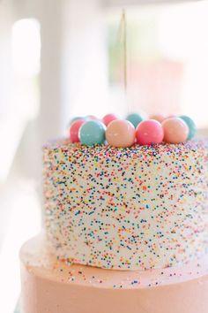 Gumball Confetti Birthday Cake – Gorgeous Fence Ideas and Designs Pretty Cakes, Cute Cakes, Beautiful Cakes, Amazing Cakes, Cake Cookies, Cupcake Cakes, Bolo Original, Fete Emma, Bolo Cake